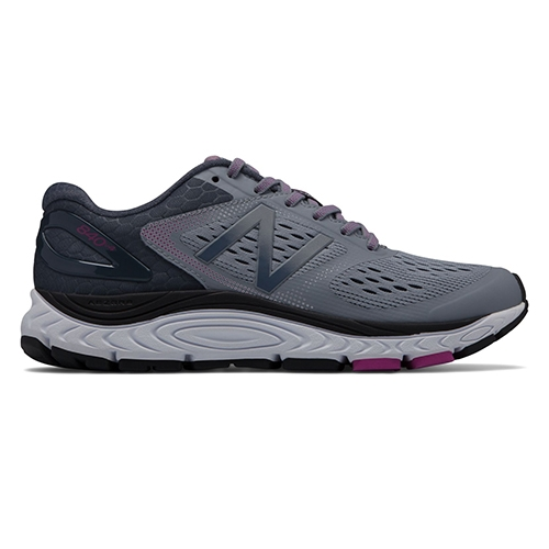 NB W840GO v4 Women's Cyclone/Poisonberry